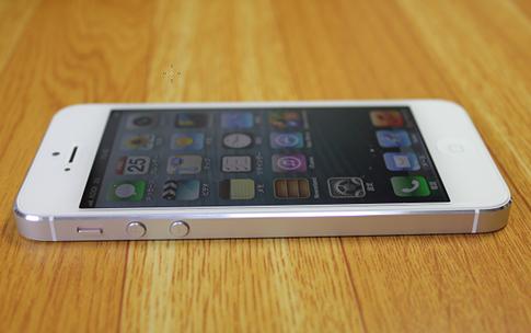 auはiPhone5を下取りすることになるかも。