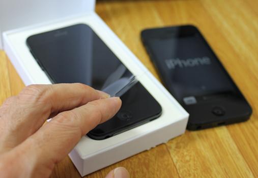 iPhoneの在宅自己交換修理サービスで交換する方法とは?