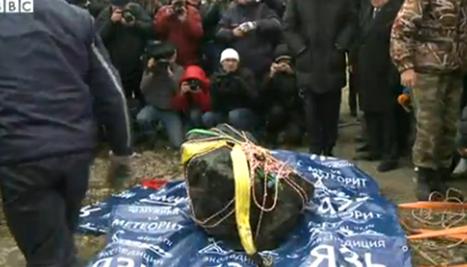 ロシアでチェバルクリ湖で引上げられた隕石