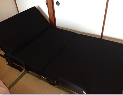 角度を14段階調整できるリクライニング機能付きシングルベッド