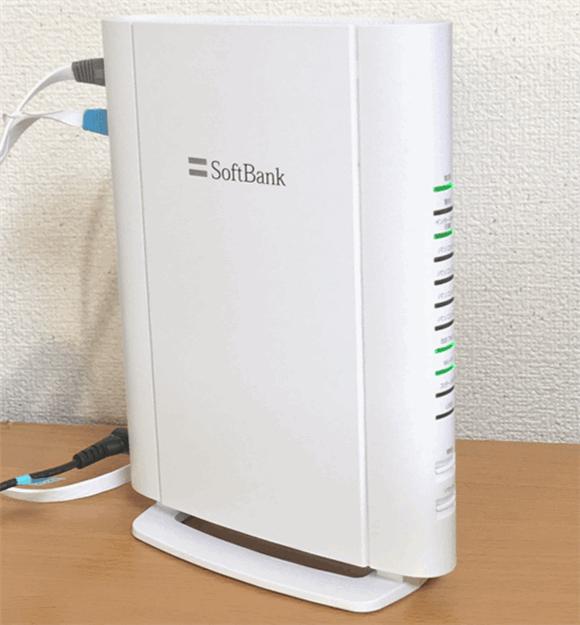 ソフトバンク光の光BBユニット。