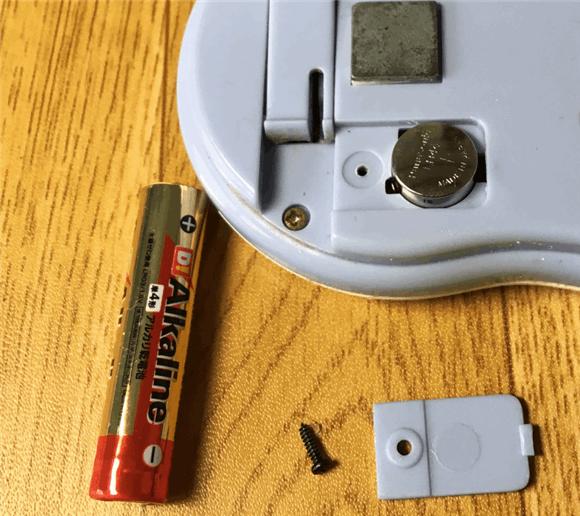 キッチンタイマーの電池はボタン電池か単4乾電池。