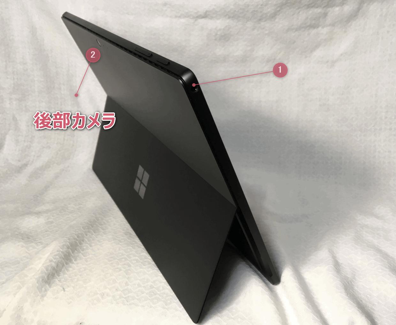 「Surface Pro 6」の後部カメラとヘッドホンジャック。