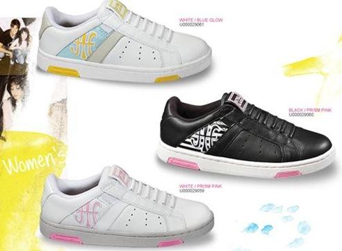 ロイヤルエラスティクスの靴はヒモがなくすぐに履けるよ