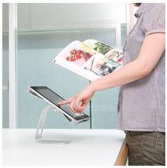 iPadアルミスタンドのデザインとスタイリッシュ性は書斎にぴったり。