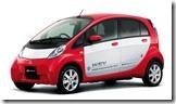 三菱の電気自動車「i-MiEV」のレッドのデザイン